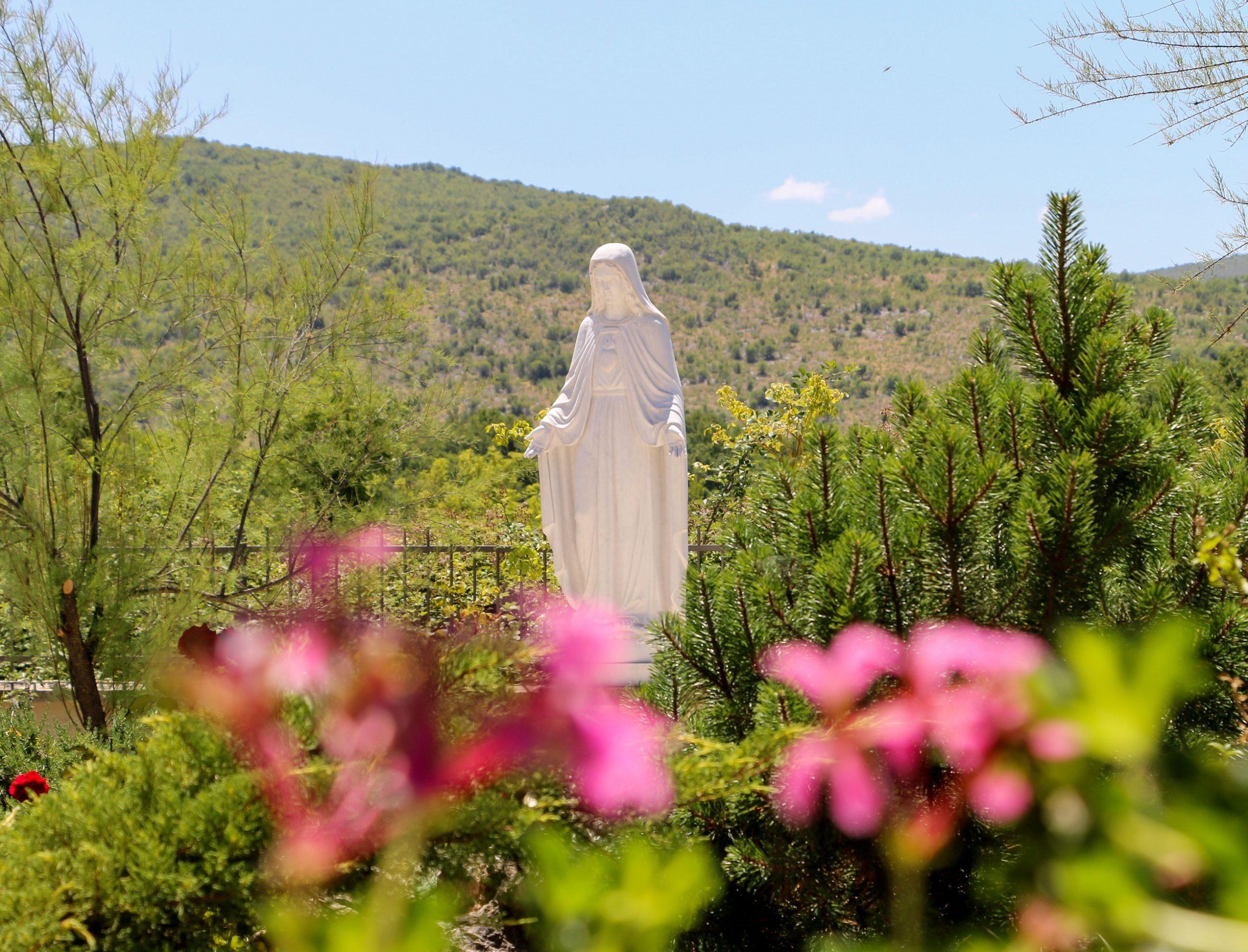 Je čas byť odbleskom Máriinej lásky (Terézia Gažiová)